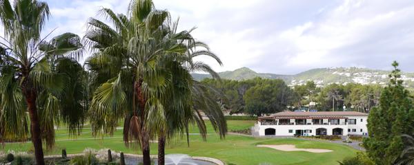Landschaft Mallorca Palmen Finca Golfplatz